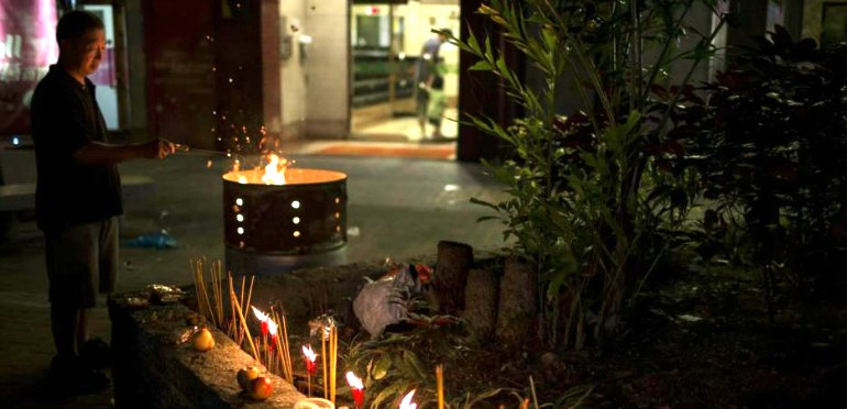 How to Celebrate the Hungry Ghost Festival