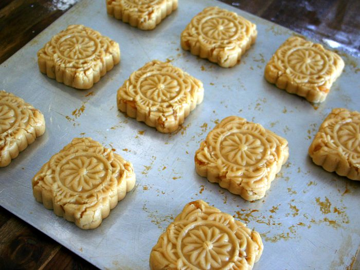 The Most Satisfying Mooncake You'll Ever Eat
