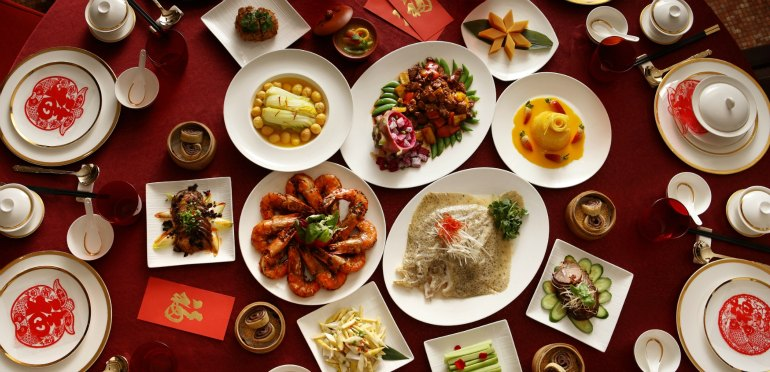 Thanksgiving dinner table family - How To Plan A Chinese New Year Reunion Dinner Chinese