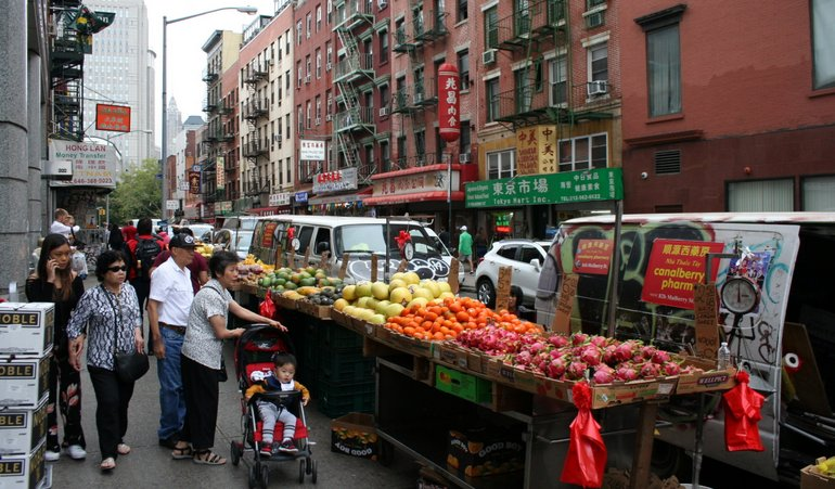 A Family Friendly Day In New York Chinatown Chinese American Family